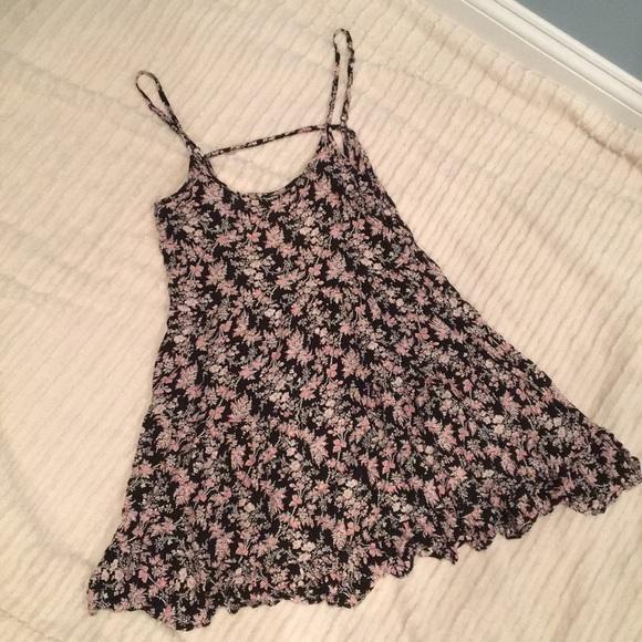 Forever 21 Dresses & Skirts - Floral Sundress